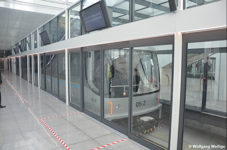 Peoplemover-Muenchen-Airport-PTS-05-2-2016-04-30-Terminal_2.jpg